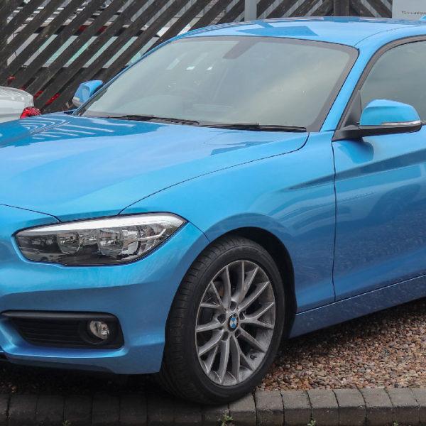 1er BMW Blau