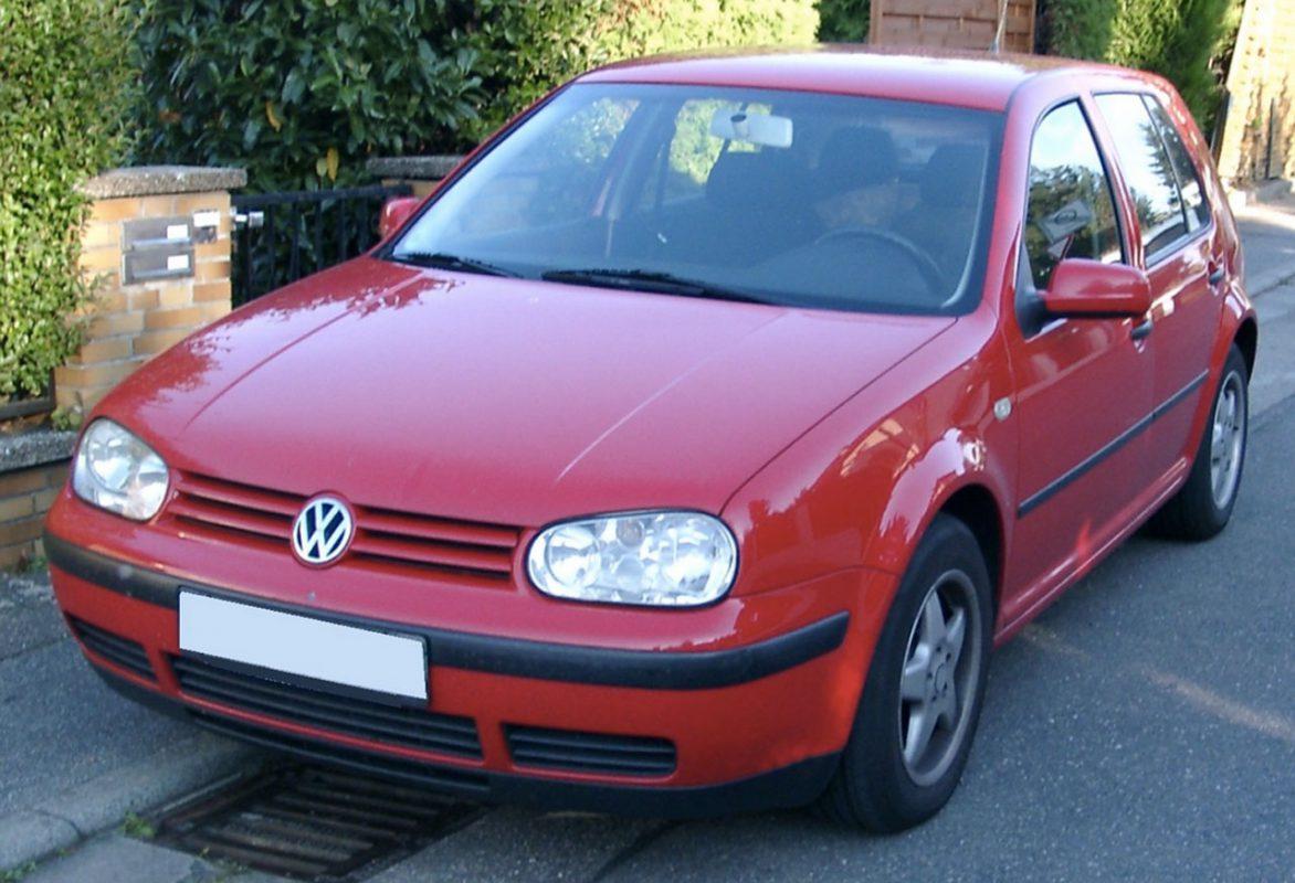 VW Golf 4 rot