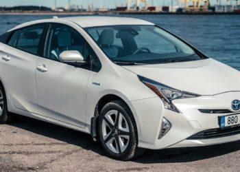 Toyota Prius Ölwechsel | Kosten, Welches Öl, Anleitung & Intervalle (alle Modelle)