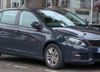 Peugeot 308 Ölwechsel | Kosten, Welches Öl, Anleitung & Intervalle (alle Motoren)