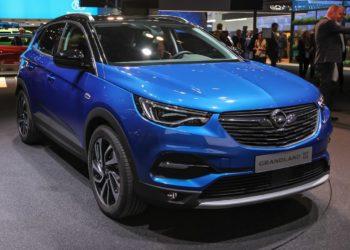 Opel Grandland X Ölwechsel | Kosten, Motoröl, Intervalle, Ölmengen & Anleitung